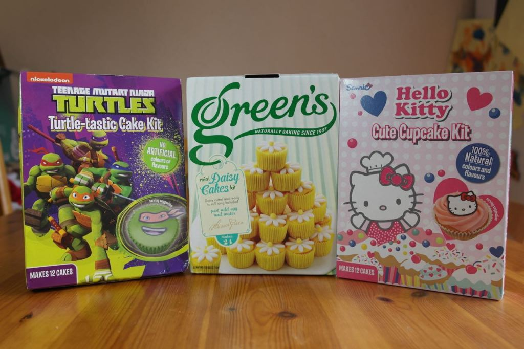 Cupcake Decorations Asda : Review: Greens cake kits - Hello Kitty Cute Cupcakes, Mini ...