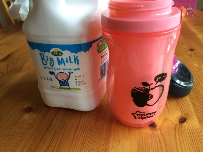 Tomme Tippee sippee cup and milk milk