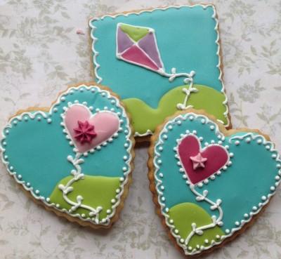kites-children-biscuit-gift-e1415330181627-1024x945