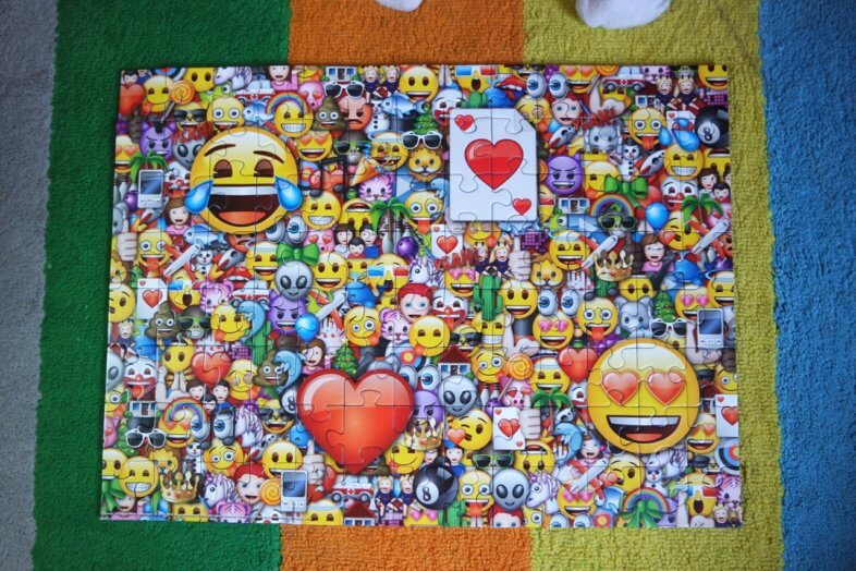 Ravensburger Emoji jigsaw review