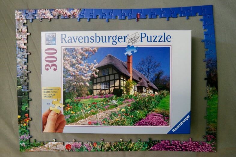 Ravensburger Puzzle Country Cottage 300pc