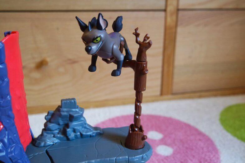 Hyena's Hideout Playset