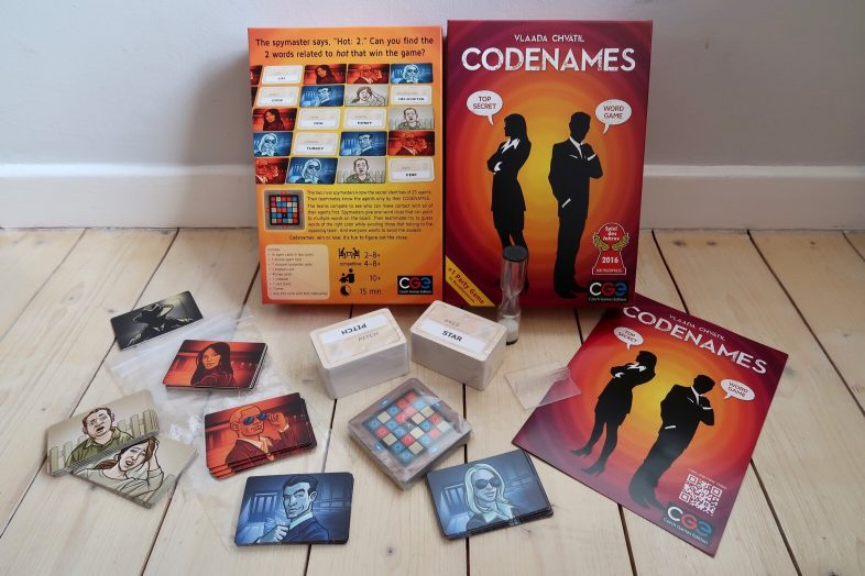 Codenames what's in the box