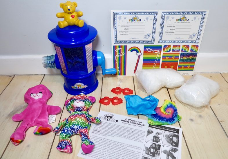 Build a Bear Stuffing Station whats in the box